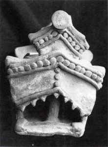 Fig.7 Pre-Hispanic model of a temple. Teeth line the upper portion of the doorway (mouth of the animal). Ecuador. Collection of the Museo Arqueológico del Banco Central.
