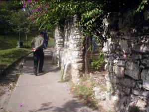 Fachada de piedra de la época de la Confederación de Puerto Viejo