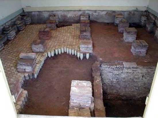 La cerveza en el piso arqueolog a de rescate en una for Hotel con piso de vidrio sobre el mar
